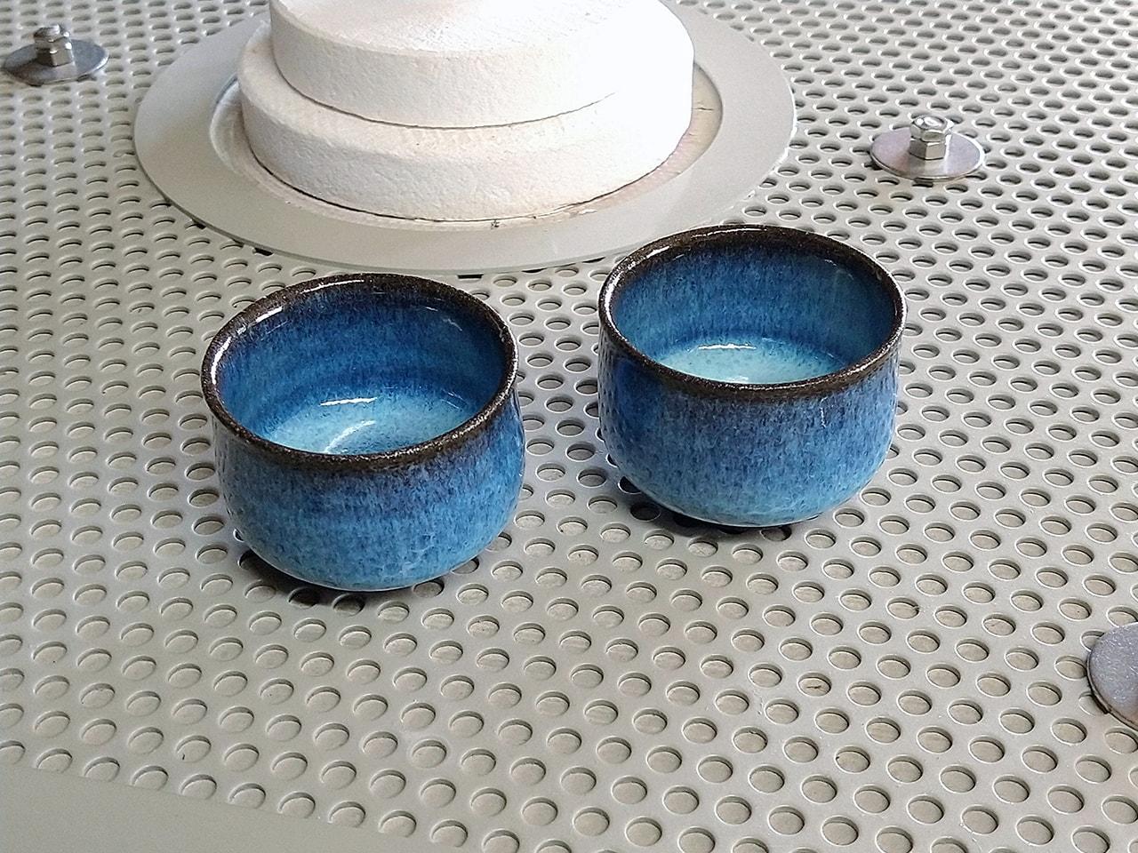 青い灰釉のぐい呑