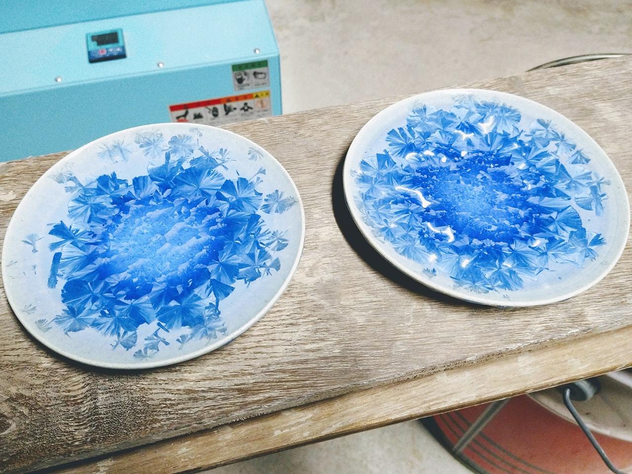 青い結晶皿2