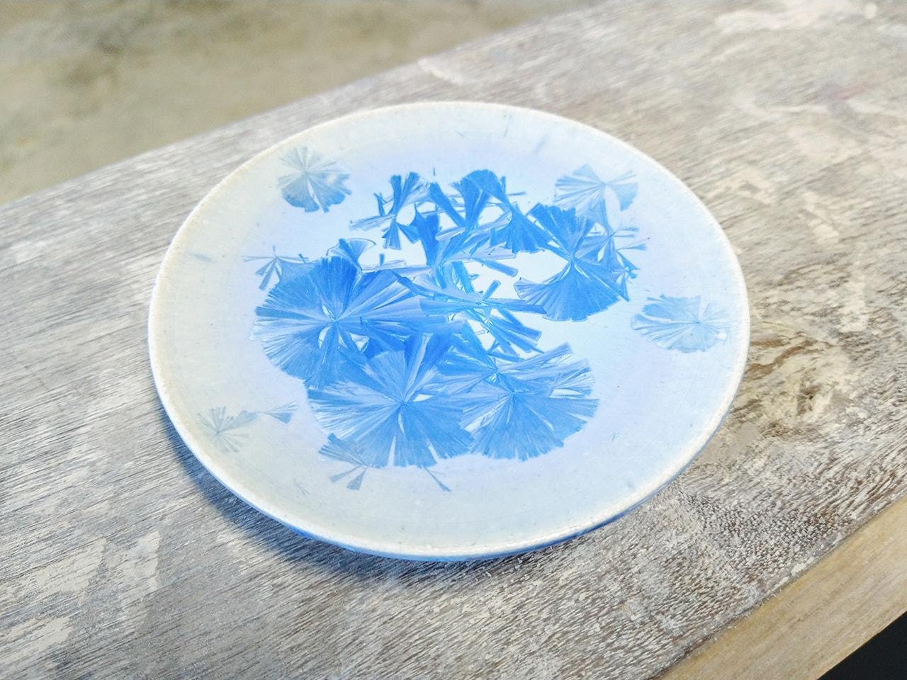 青い結晶皿3