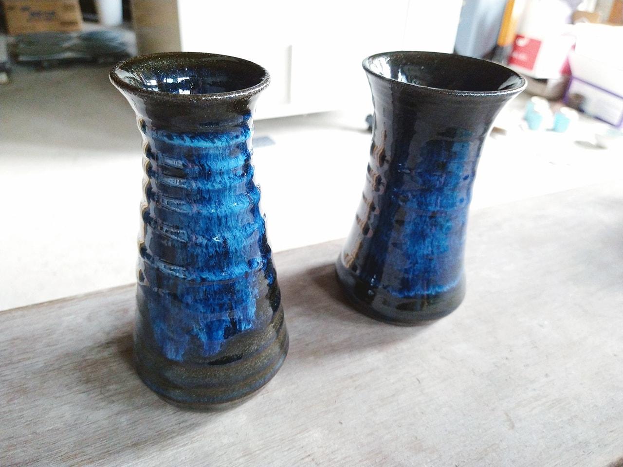 青い灰釉の花入