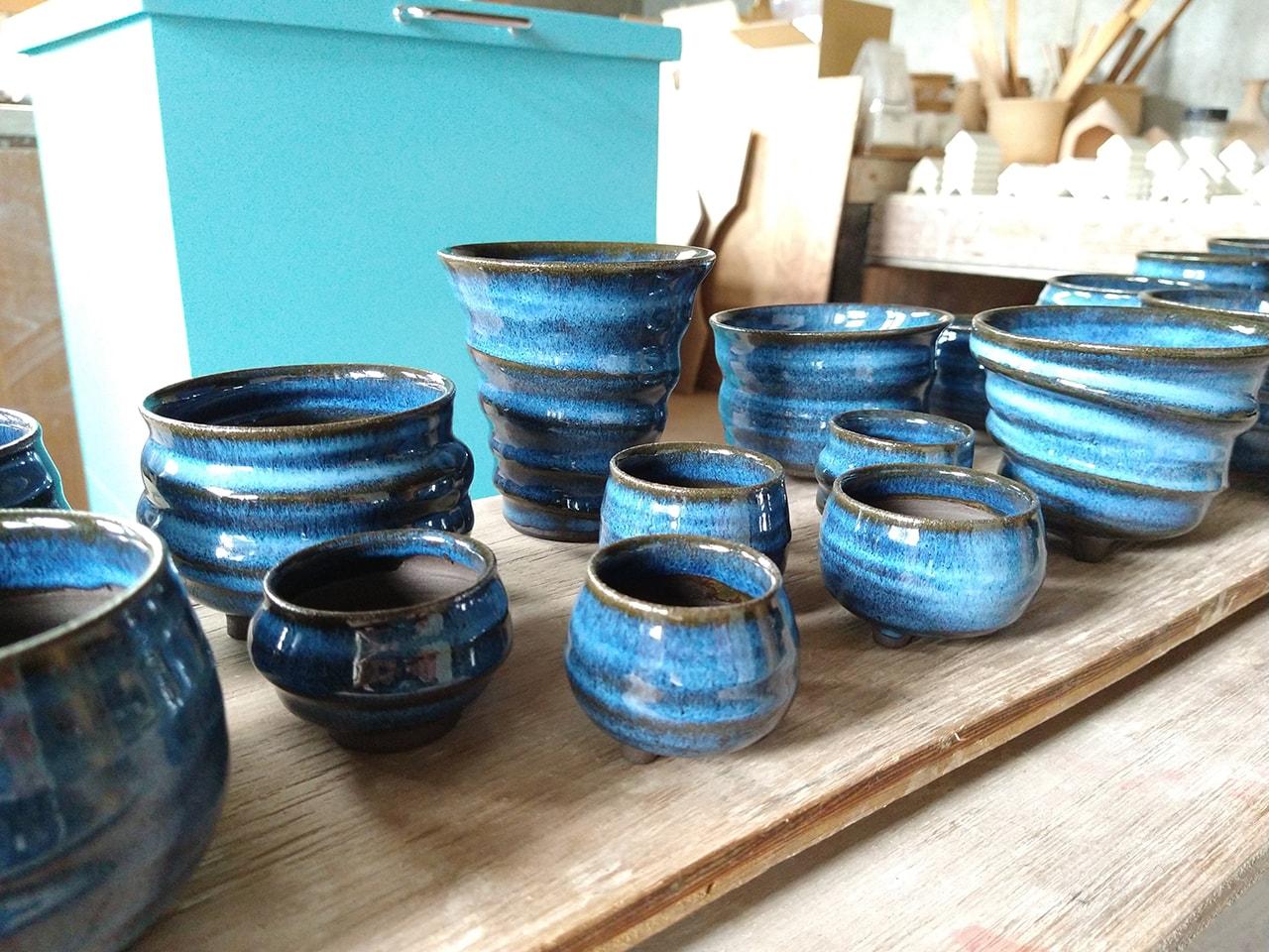 青い灰釉のミニ植木鉢